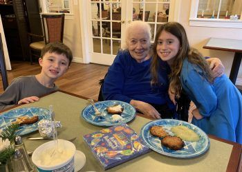 Stephanie Kanowitz organized a Hanukkah celebration at her mother's memory care community